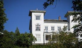 hovedbygningen-featured